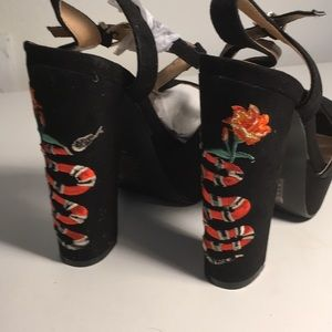 Jacobies Shoes - Embroidered Snake Platforms